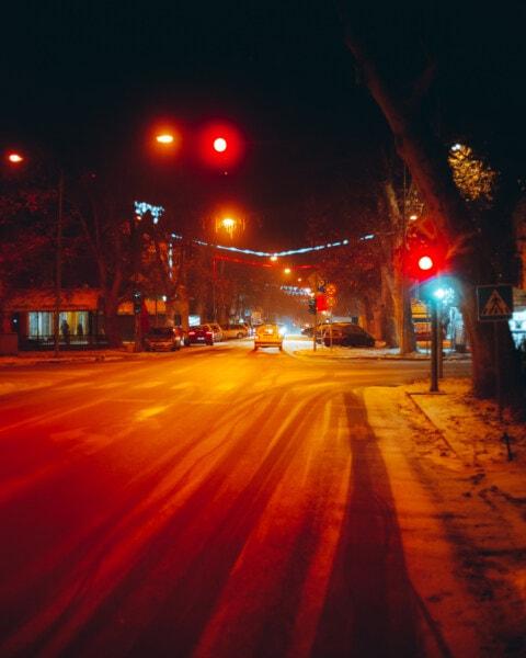 kontrola prometa, svjetlo na semaforu, raskrižje, semafor, ulica, cesta, grad, promet, raskrižje, noć