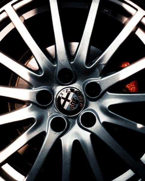 Alfa Romeo, car, Italy, metallic, aluminum, rim, tire, wheel, chrome, machine