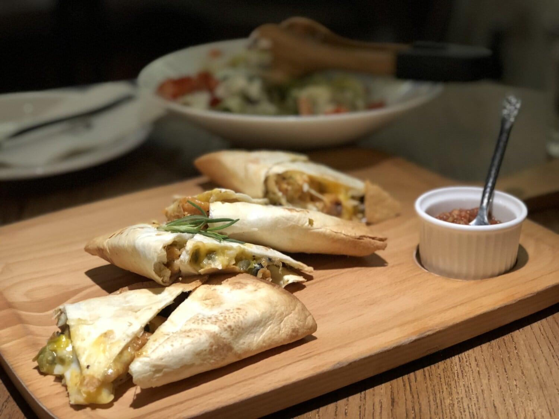 ブリトー, メキシコ, ランチ, 新鮮です, レストラン, ディナー, 料理, 食品, 食事, プレート