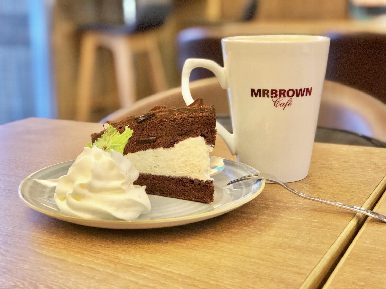 Kaffee, Kaffeetasse, brotmesser, Creme, Vanille, Kuchen, Gabel, Schokoladen-Kuchen, Restaurant, Mahlzeit