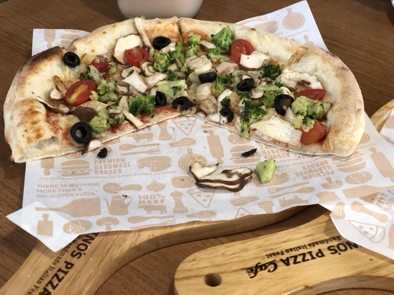 Pizza, Gemüse, Vegetarier, Scheiben, Pilze, Restaurant, Abendessen, Backwaren, Esstisch, sehr lecker