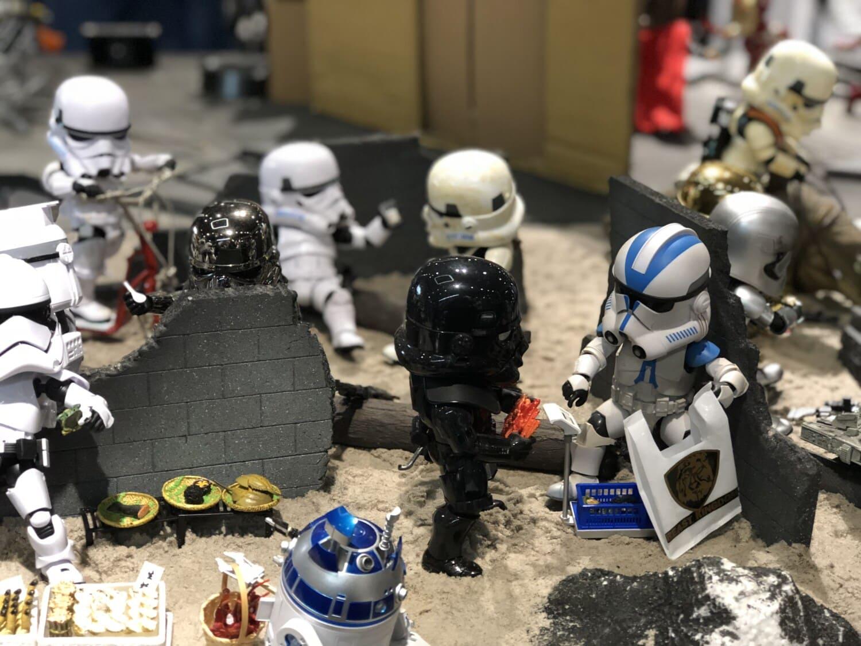 famous, miniature, toys, plastic, toyshop, figurine, helmet, robot, competition, exhibition