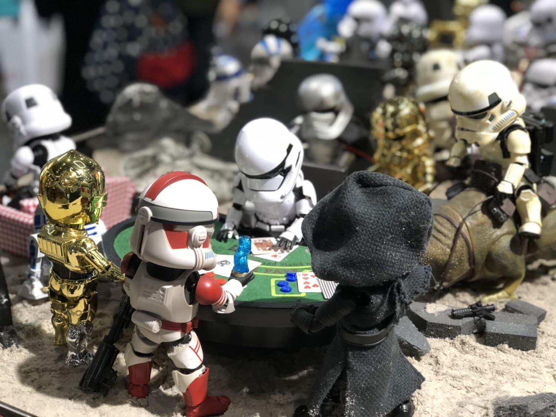 toys, miniature, famous, robot, toy, solder, military, people, helmet, battle