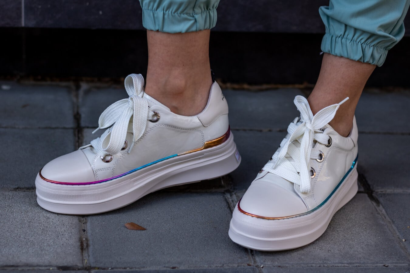 fantaisie, blanc, style, chaussures de sport, trendy, peau, pieds nus, jambes, lacet, chaussures