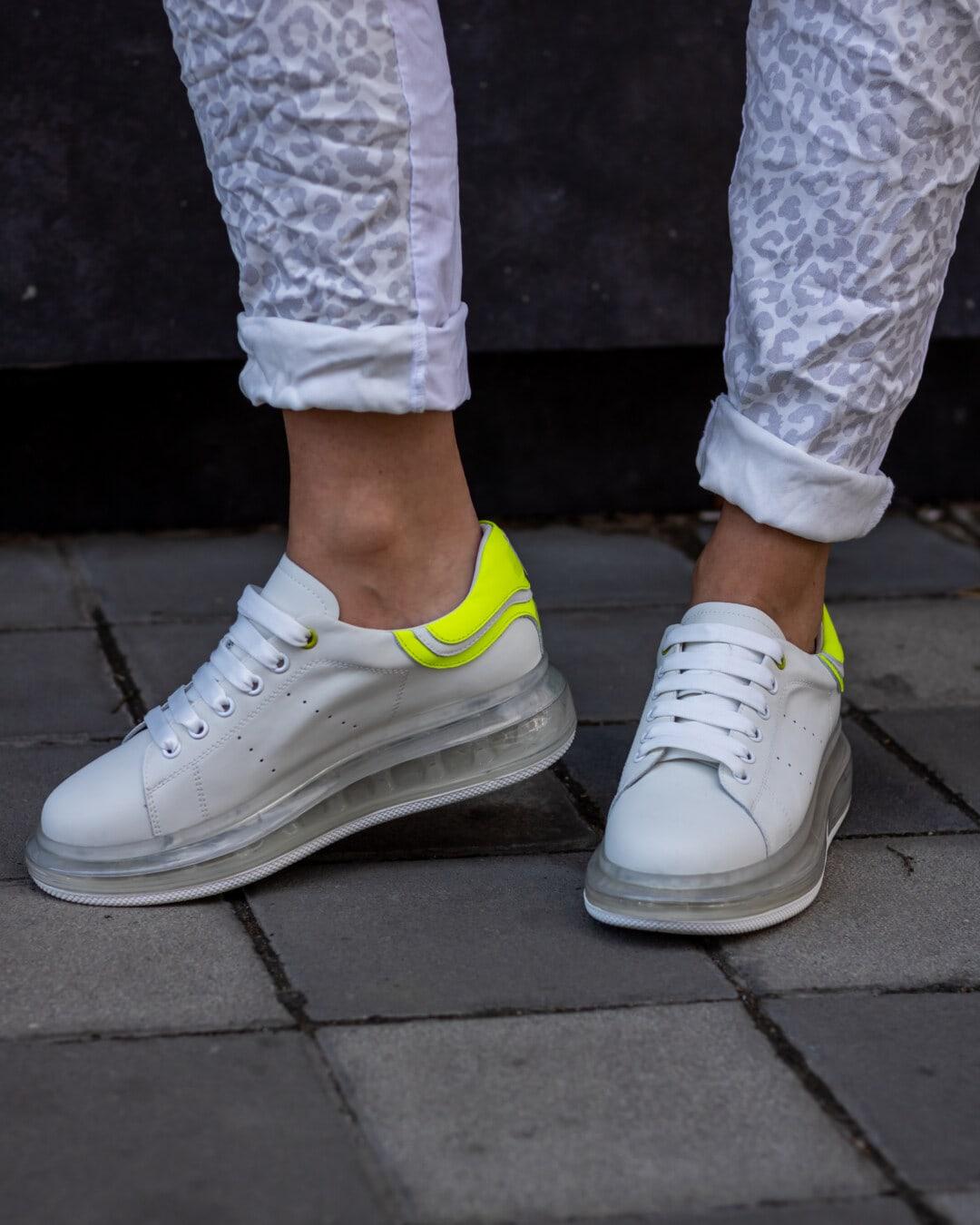 weiß, moderne, Turnschuhe, Ohr, Kautschuk, Beine, Mädchen, Straße, Schuhe, paar