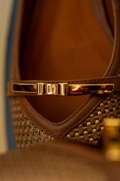 Sandale, Dekoration, aus nächster Nähe, goldener Glanz, Schuh, Mode, Luxus, Leder, Still-Leben, Jahrgang