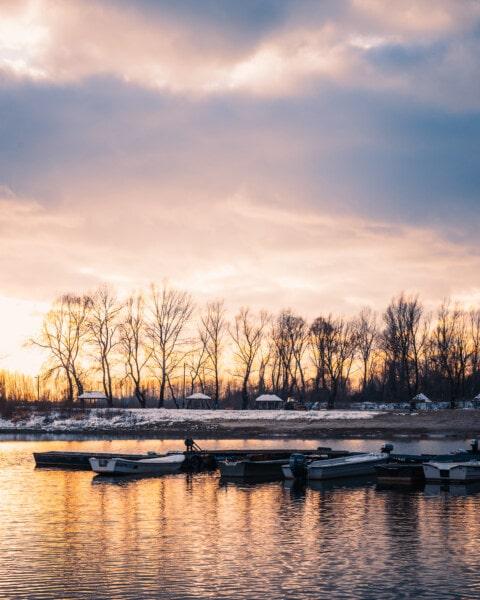Winter, majestätisch, Dämmerung, Atmosphäre, am See, Boote, Flussufer, Kai, Landschaft, Reflexion