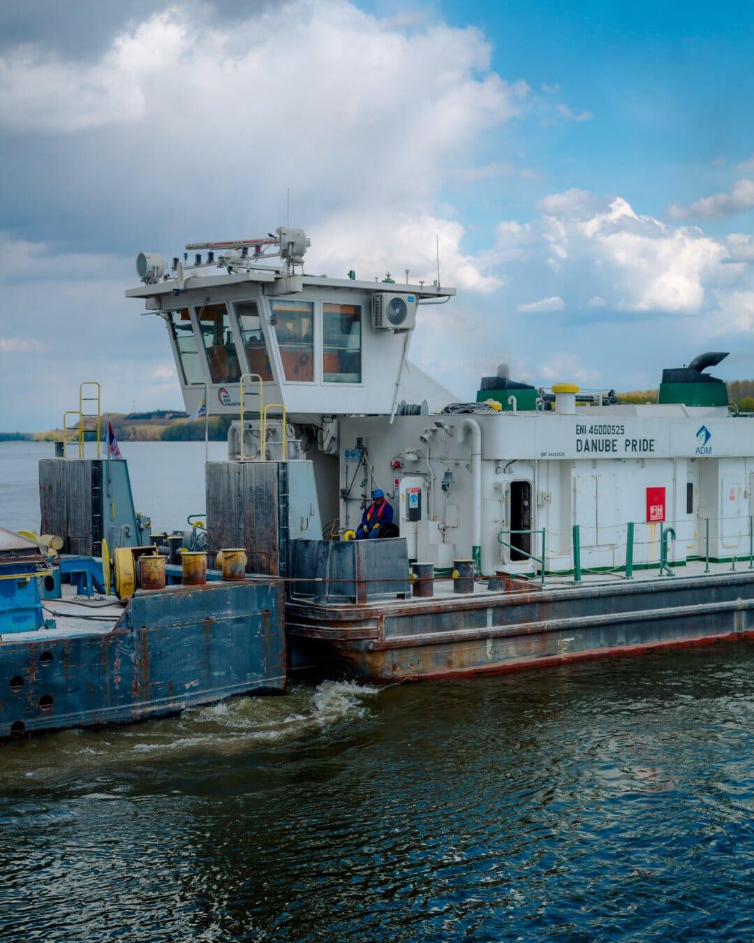 navire, rivière, Danube, secteur d'activité, quai, barge, lieu de travail, remorqueur, mer, port