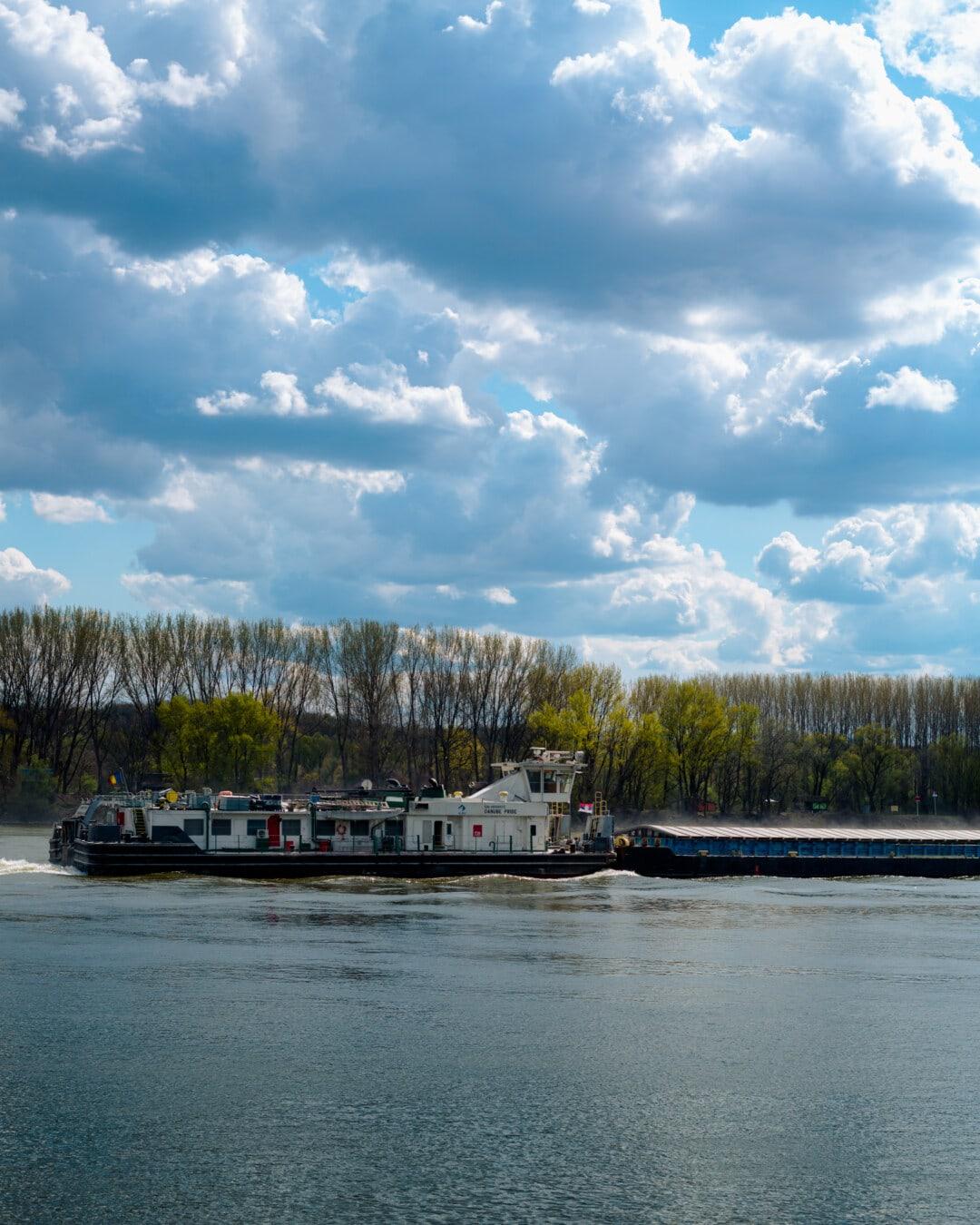 Frachtschiff, Schiff, Fracht, Versand, Lastkahn, Fluss, Seitenansicht, Schönwetter, Wasser, Boot