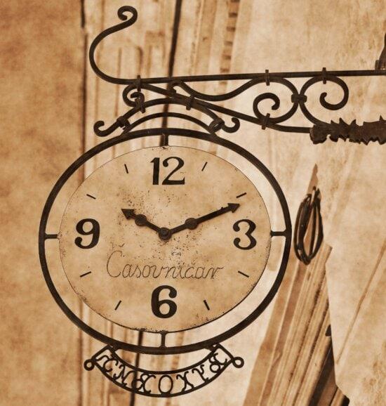 gammal stil, väggen, analog klocka, hängande, gata, gjutjärn, tidmätare, minut, klocka, timme