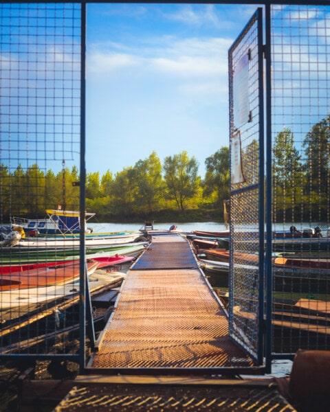Dock, estate, Porto, fiume, barca di fiume, Riva del fiume, cancello, Gateway, recinzione, barriera