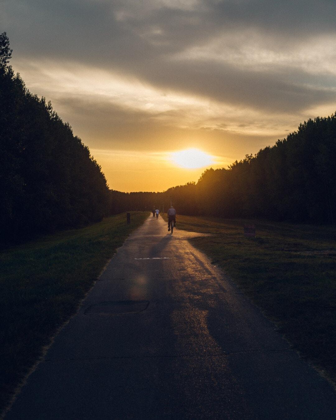 Асфальт, дорога, Захід сонця, люди, велосипед, відпочинок, їзда на велосипеді, схил, сходження, сонце