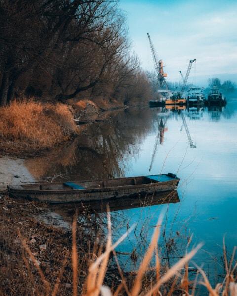 Werft, Branche, Schiff, Versand, Herbstsaison, Flussufer, Fluss, Landschaft, Wasser, Natur