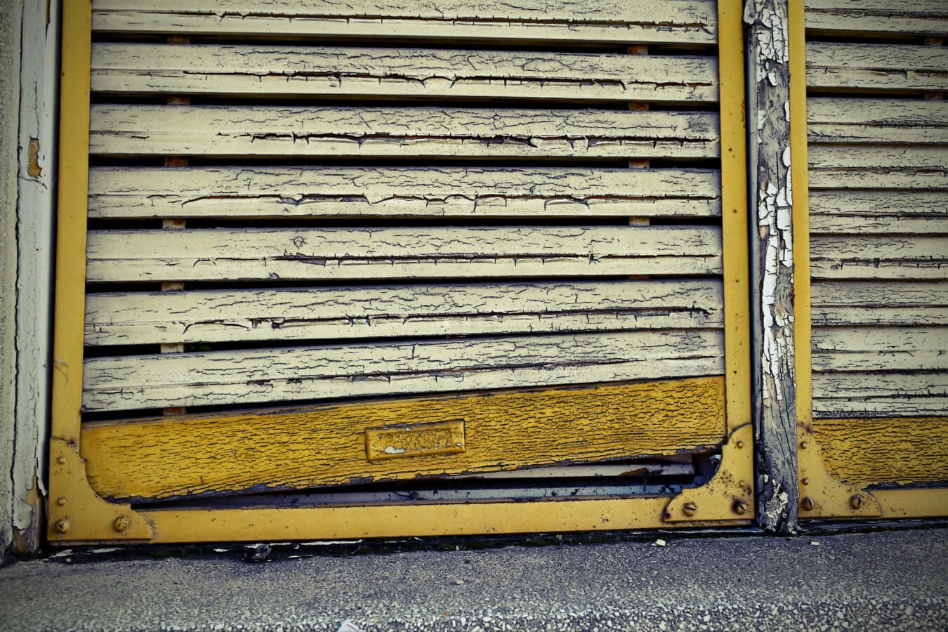 Fenster, Fassade, dreckig, alt, Verfall, gelblich-braun, malen, Grunge, Holz, aus Holz