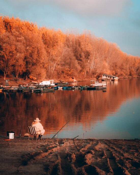 fiskeri, fisker, ved søen, havn, efterårssæsonen, landskab, orange gul, gyldne glød, natur, søen