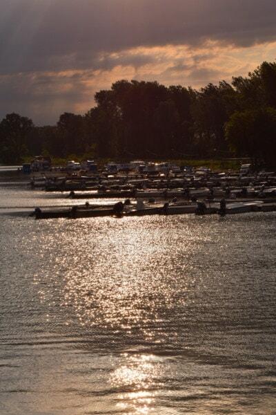 pri jazere, súmraku, prístav, riečna loď, motorový čln, člny, voda, svitania, západ slnka, rieka