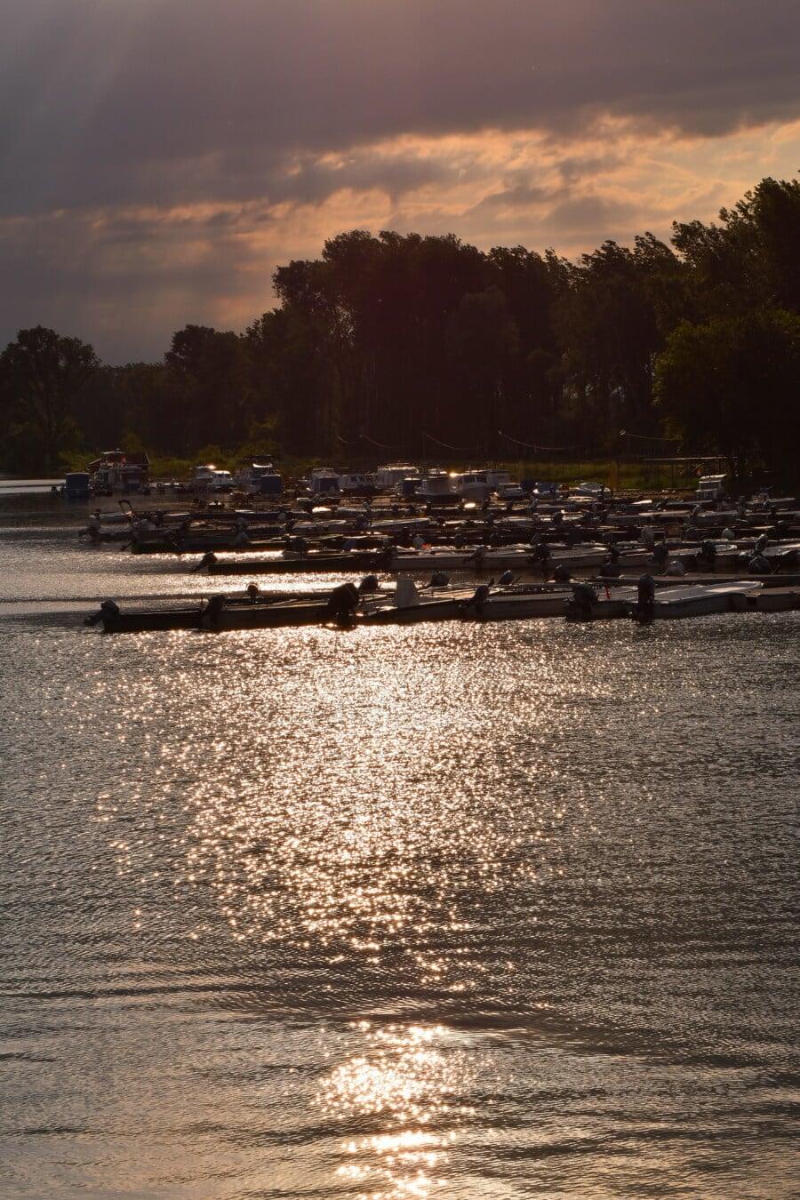 am See, Dämmerung, Hafen, Flussschiff, Motorboot, Boote, Wasser, Dämmerung, Sonnenuntergang, Fluss