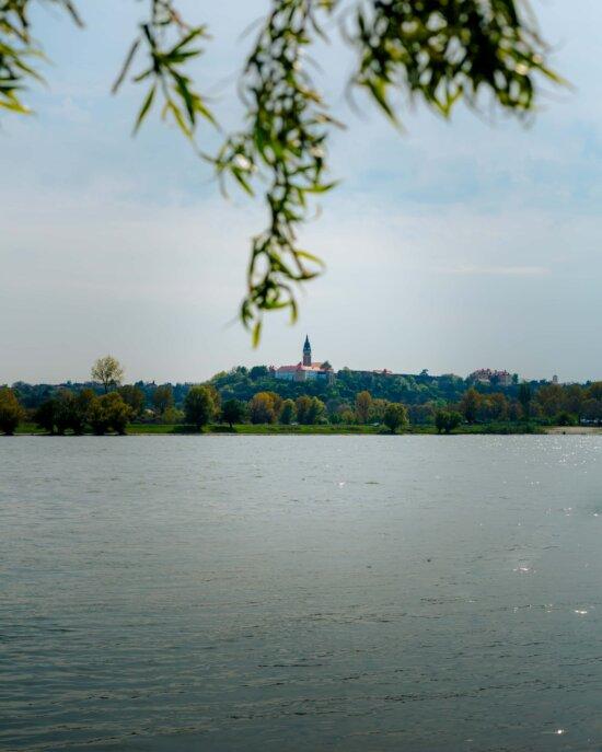 idyllische, lakeside, Placid, kust, water, boom, landschap, meer, natuur, reflectie