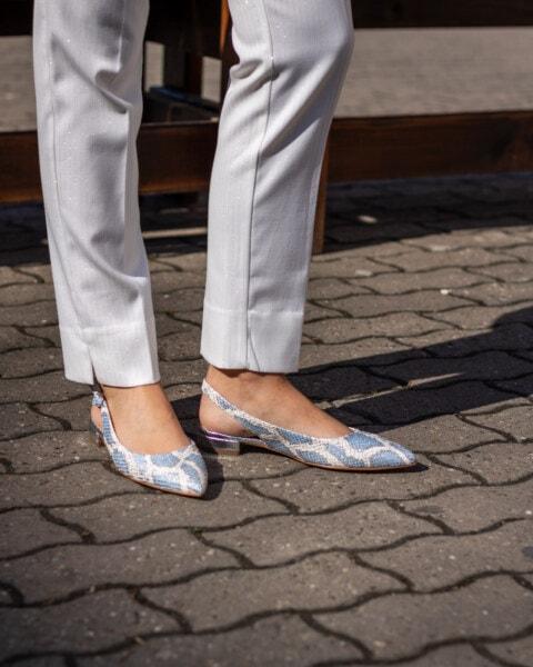 สีเทา, กางเกง, ธุรกิจหญิง, กางเกงขายาว, สง่างาม, รองเท้า, ฟุต, รองเท้าแตะ, ขา, เครื่องแต่งกาย