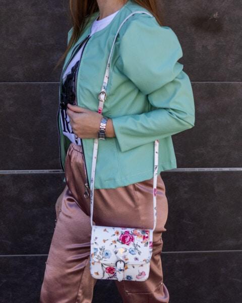 Geschäftsfrau, Outfit, attraktiv, Jacke, Handtasche, Hose, Frau, Porträt, Mädchen, Menschen