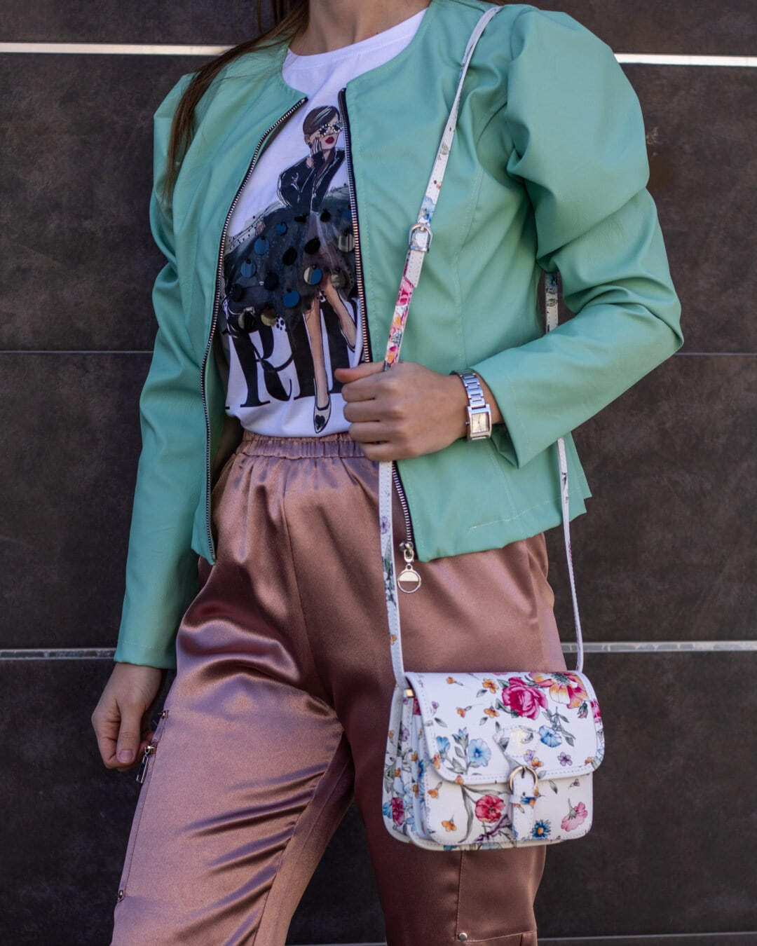 posing, photo model, outfit, jacket, green, fancy, glossy, pants, handbag, girl