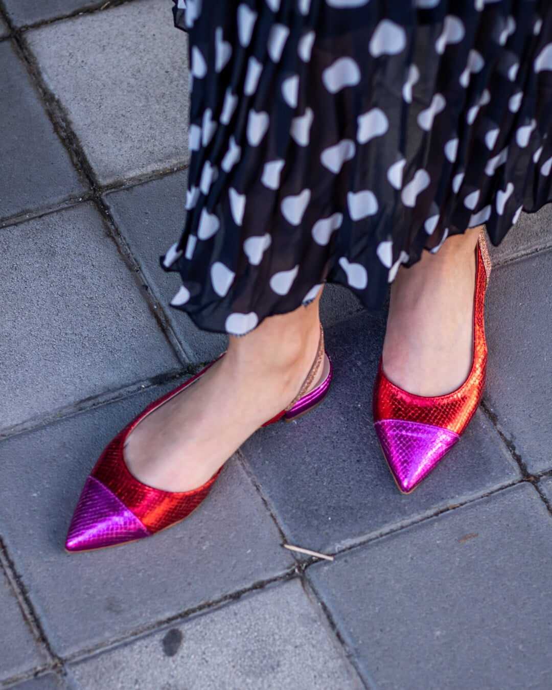 rouge, rosâtre, chaussures, noir et blanc, jupe, chaussures, chaussure, jeune fille, mode, femme