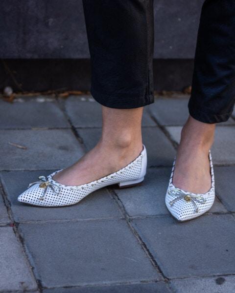 สง่างาม, รองเท้า, หญิงสาว, ขา, รองเท้า, สตรีท, ผู้หญิง, ครอบคลุม, เท้า, สาว