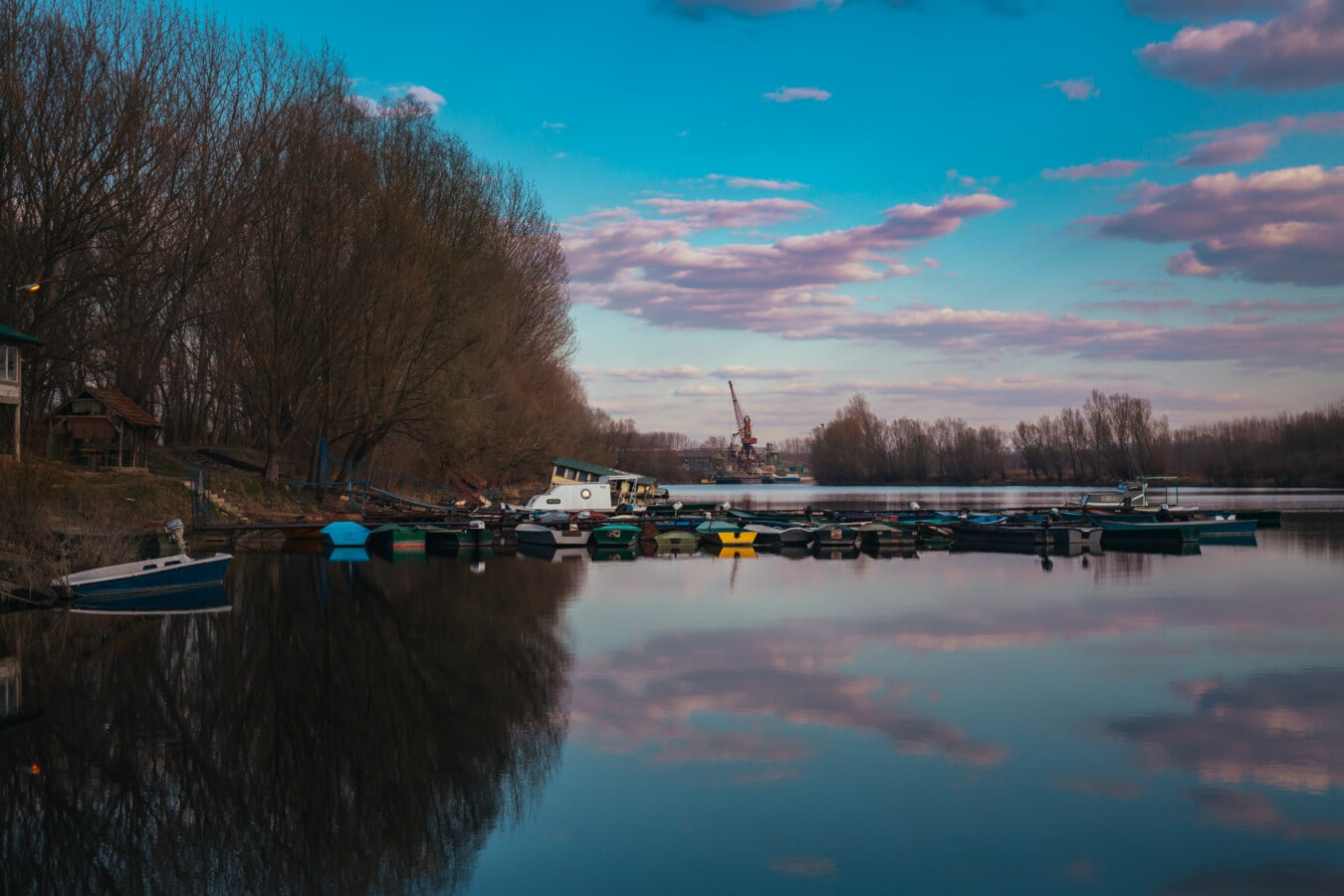 harbour, motorboat, lakeside, boats, water, lake, river, reflection, sunset, dawn