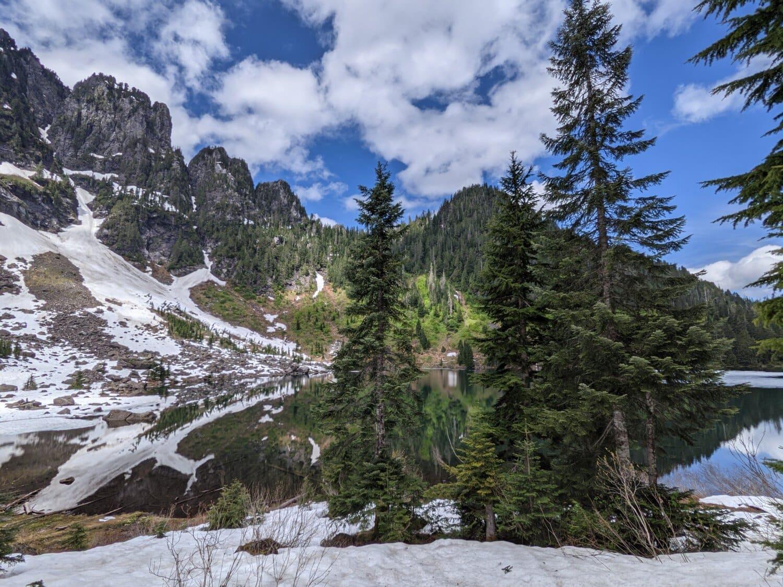 copaci, pe malul lacului, conifere, Parcul Naţional, munte, pădure, zăpadă, copac, peisaj, pin