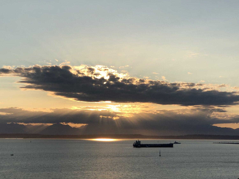 soleil, en dessous, nuages, océan, mer, aube, plage, bord de mer, coucher de soleil, rivage