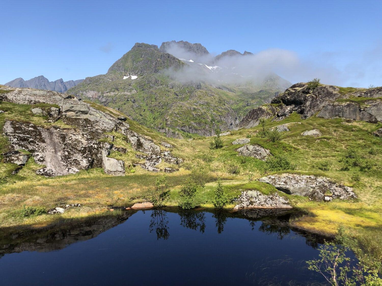 Berg, am See, Berghang, Bergspitze, Wolken, Landschaft, majestätisch, Wasser, Angebot, Berge