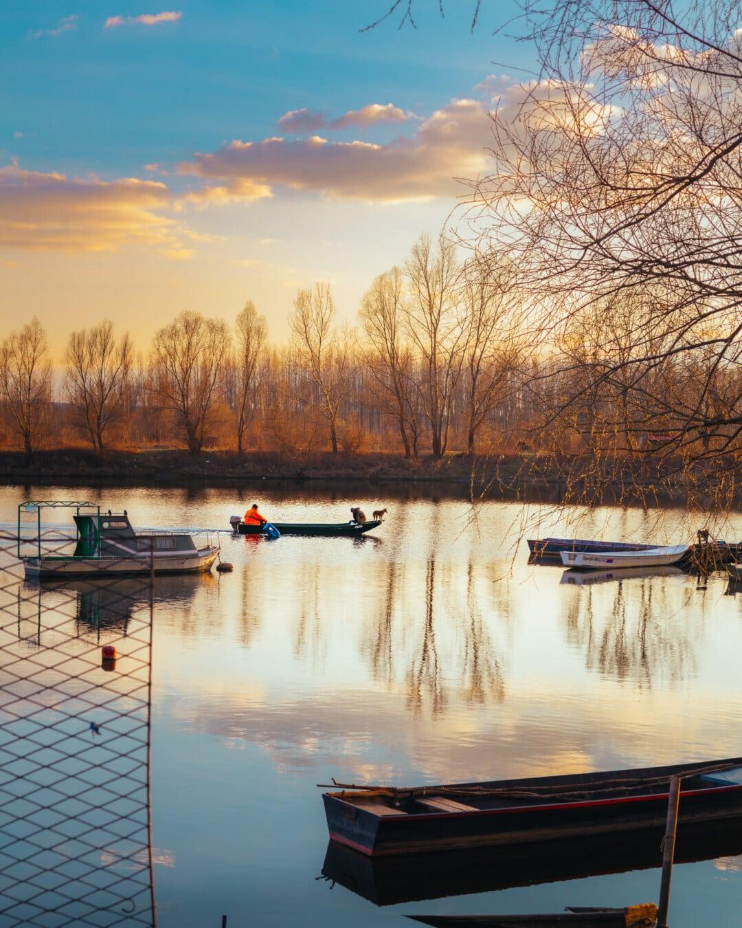 サンセット, 漁師, 釣りボート, 川のボート, 川岸, 雰囲気, 穏やかな, 穏やかです, ランドス ケープ, 雄大な