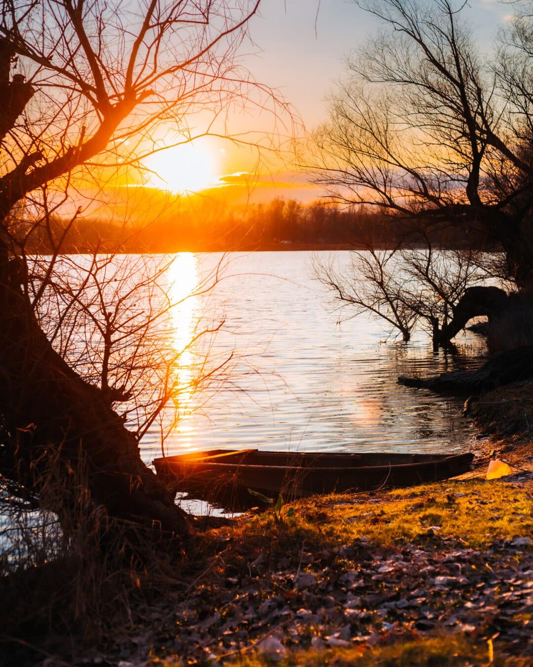 Sonnenaufgang, Flussschiff, Flussufer, Sonne, Orange gelb, bunte, Sonnenlicht, Herbst, Struktur, Sonnenuntergang