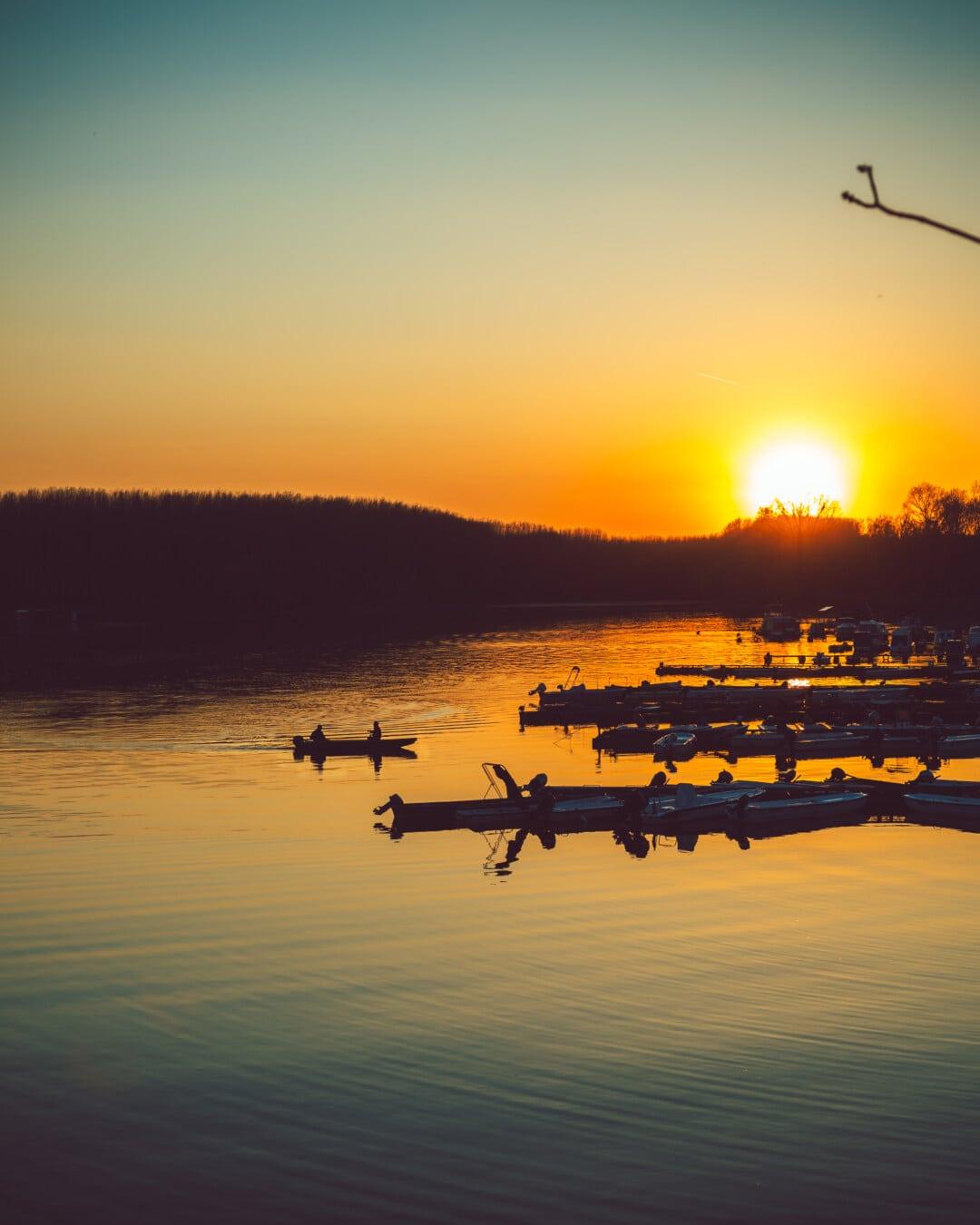 Sonnenuntergang, spektakuläre, Hafen, Angelboot/Fischerboot, Sterne, Dämmerung, Wasser, Sonne, See, Reflexion