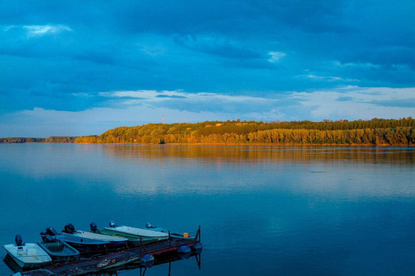 ruhig, am See, Horizont, majestätisch, Motorboot, Hafen, Angelboot/Fischerboot, Wasser, Sonnenuntergang, Strand
