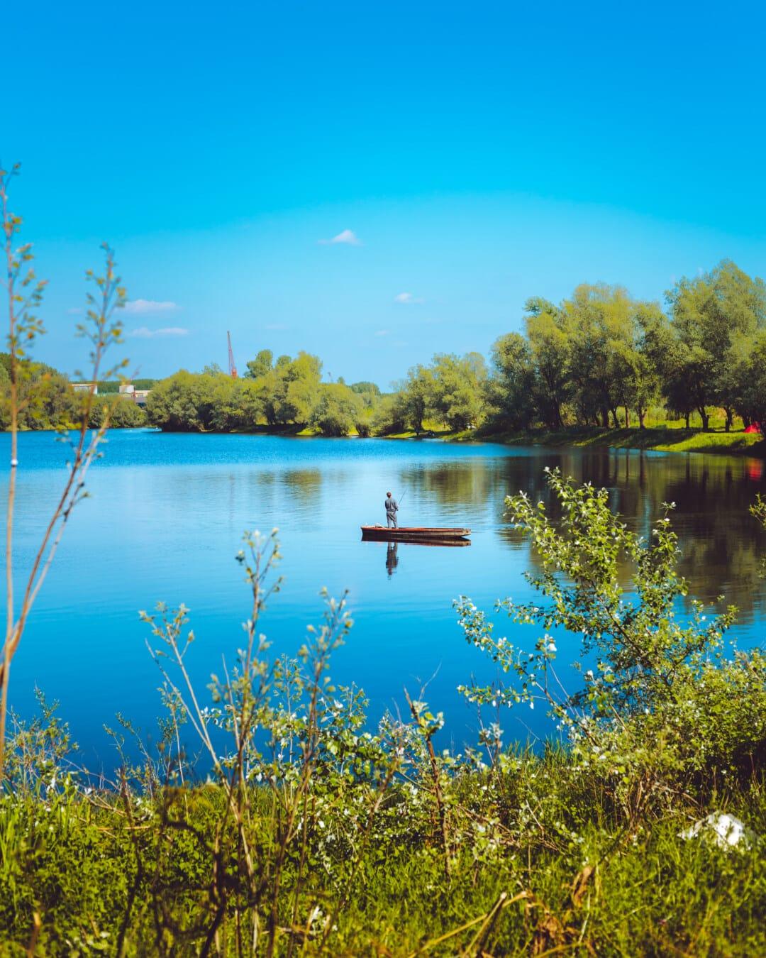 Fischer, Angeln, Angelboot/Fischerboot, Natur, Landschaft, Wasser, am See, See, Ufer, im freien