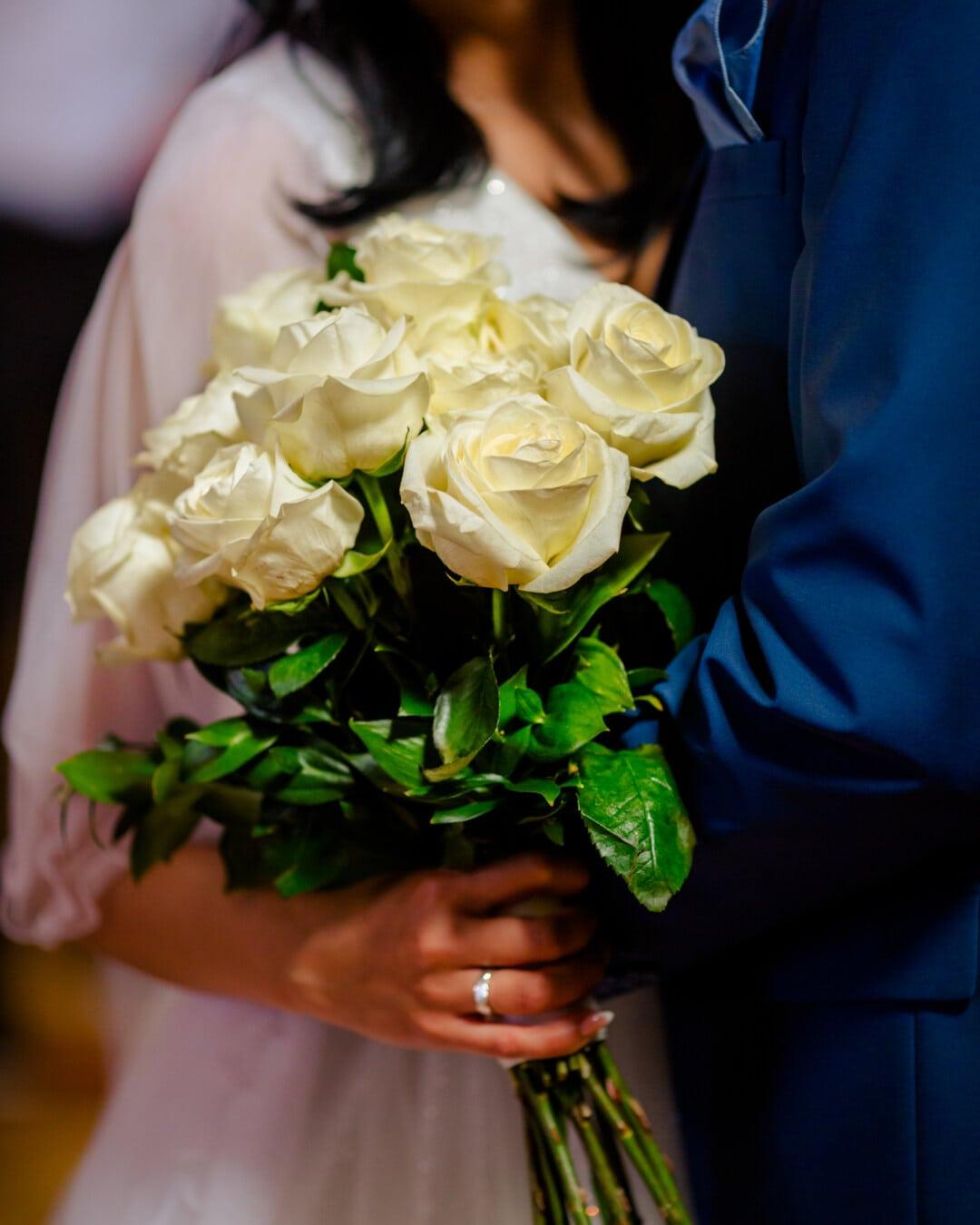 bouquet, white flower, roses, gift, boyfriend, girlfriend, date, love date, romantic, bride