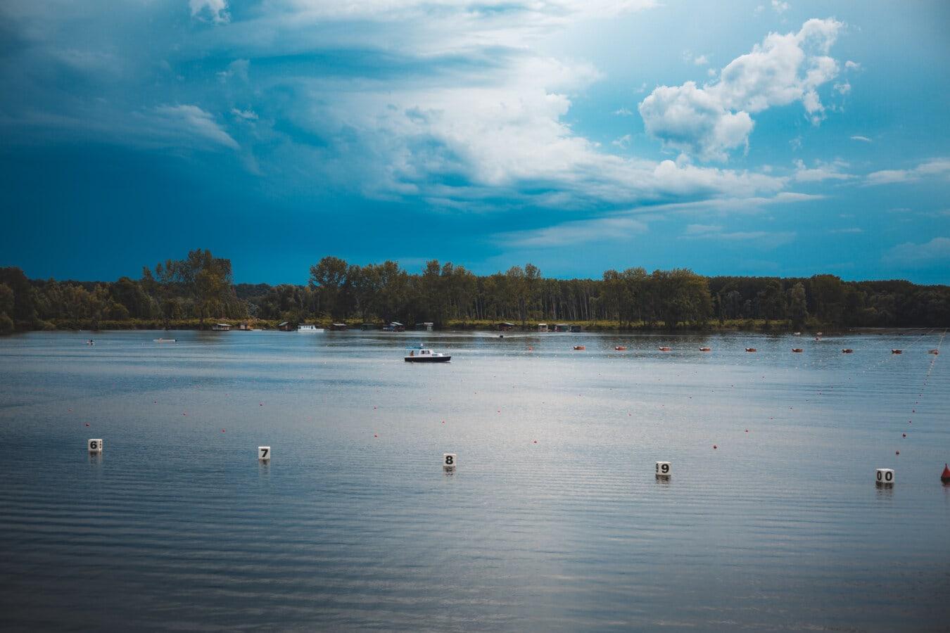 nuages, vent, ciel bleu, Lac, rive, bassin, paysage, eau, coucher de soleil, réflexion