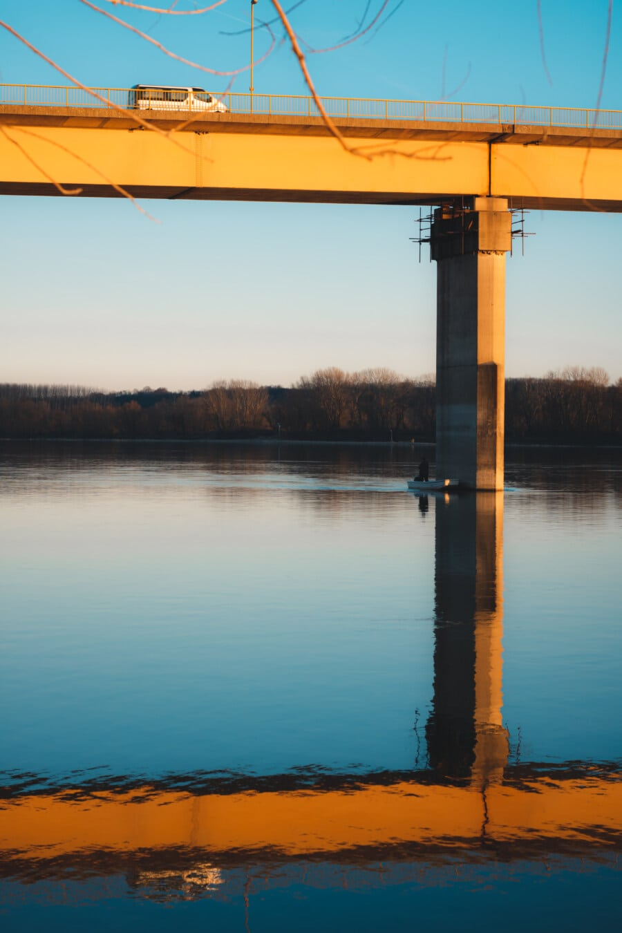 Angelboot/Fischerboot, darunter, Brücke, Wasser, See, Sonnenuntergang, Dämmerung, im freien, Fluss, Reflexion