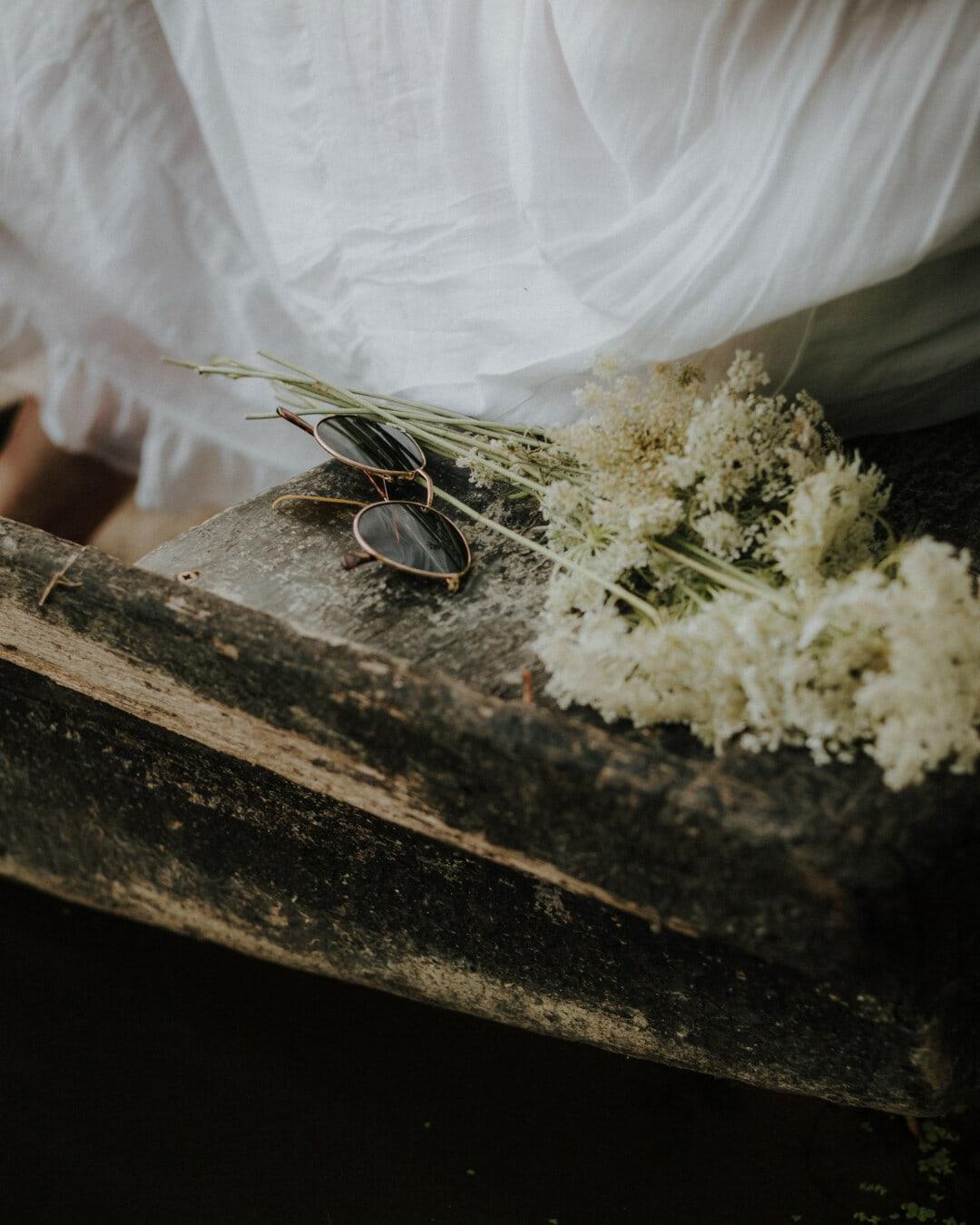 Sonnenbrille, Jahrgang, Altmodisch, aus nächster Nähe, weiße Blume, weiß, Kleid, Blume, Natur, Blatt