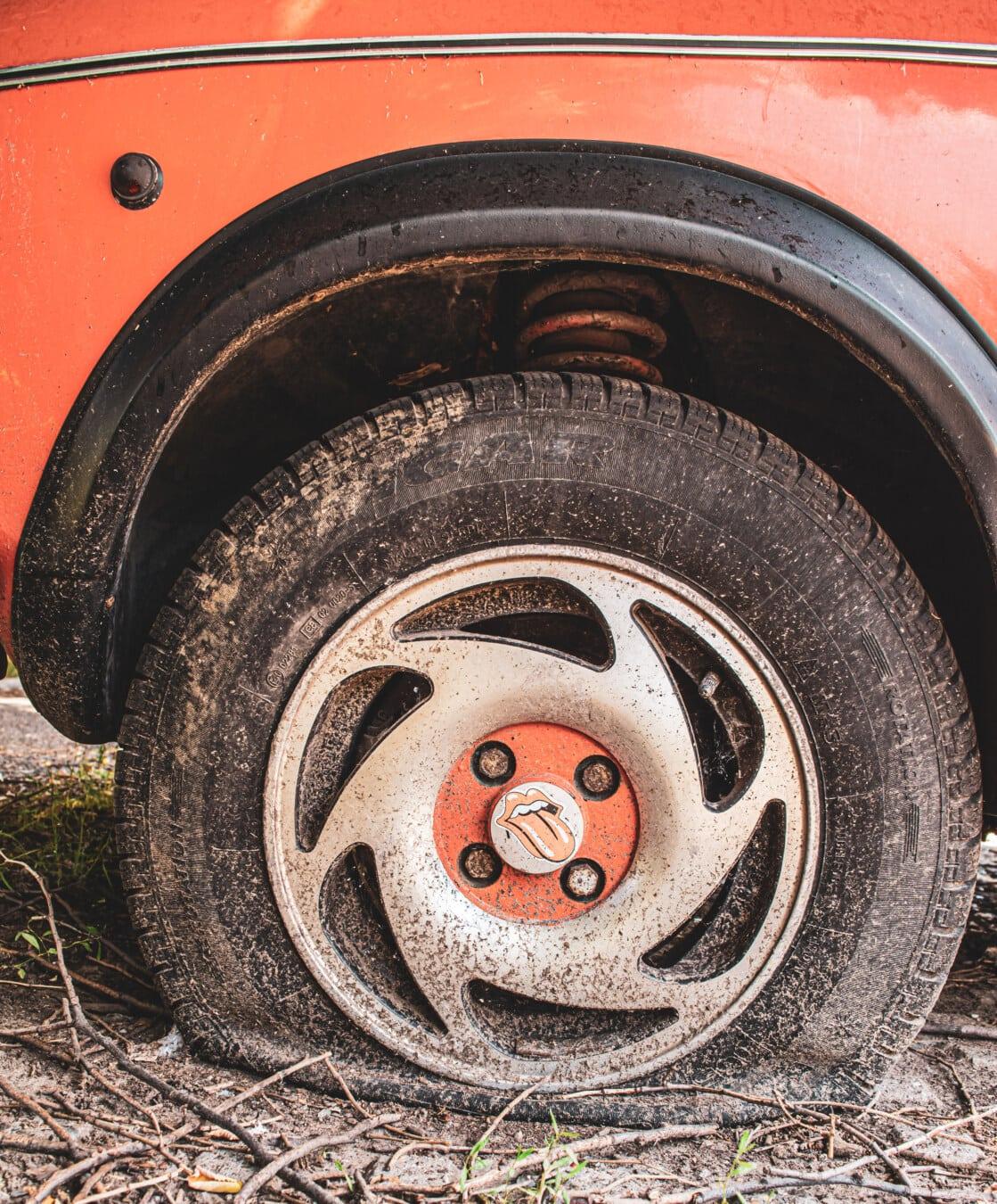 voiture, jante, pneu, vieux, vintage, nostalgie, abandonné, roue, sale, automobile