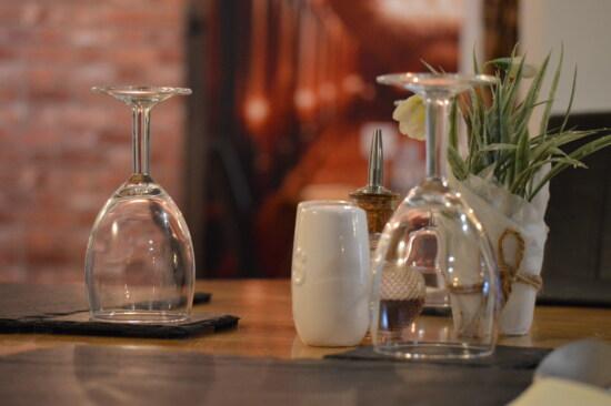 Glas, Glaswaren, Kristall, Tischdecke, Tabelle, Geschirr, Restaurant, Diner, Container, Speise-