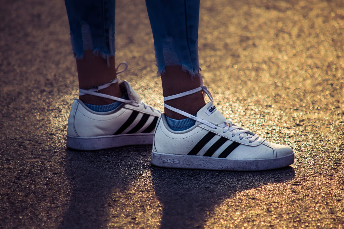style ancien, Adidas, classique, chaussures de sport, chaussée, ombre, Jeans, jambes, Jeans/Pantalons, jambe