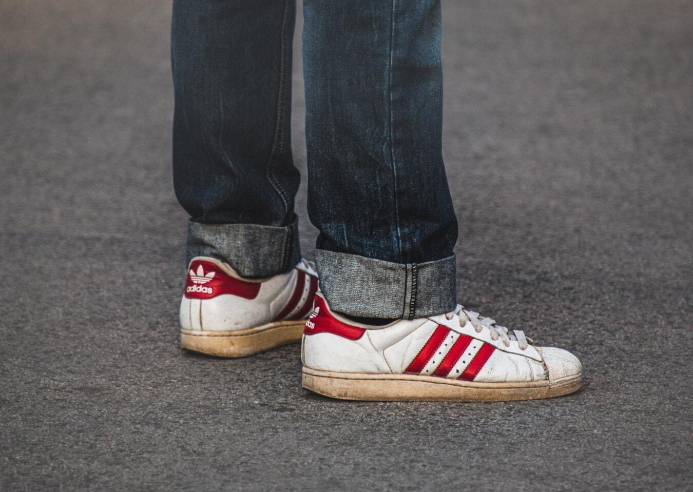 Adidas, blanc, rouge, chaussures de sport, Jeans/Pantalons, Jeans, denim, bleu foncé, classique, rue