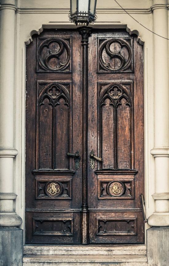 vor der Tür, Eingang, Beenden, handgefertigte, alten Stil, Tischlerei, Handwerk, Schritte, Holz, Tür