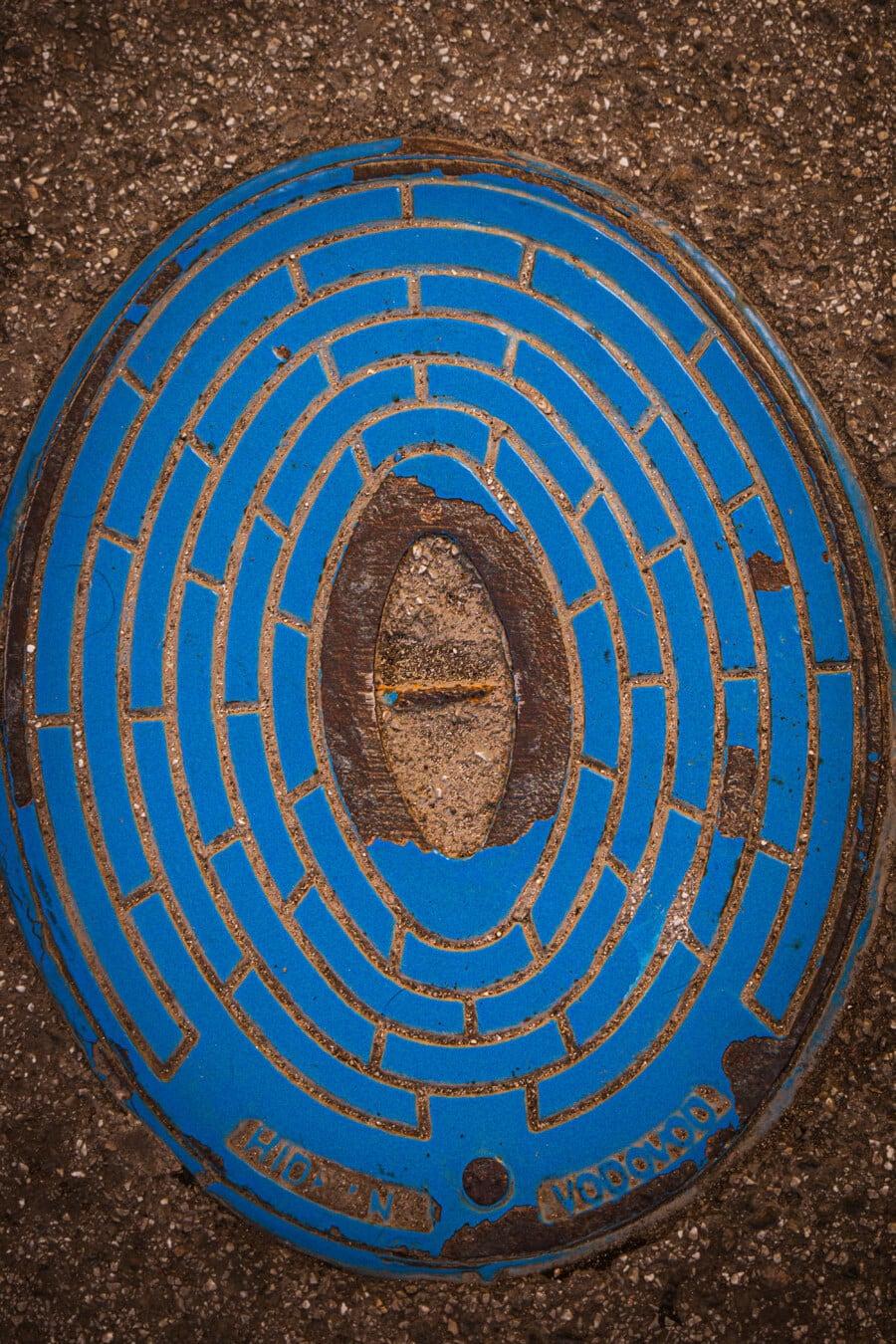 trou d'homme, plaque d'égout, réseau d'égouts, béton, asphalte, ciment, chaussée, fer, à l'extérieur, vieux