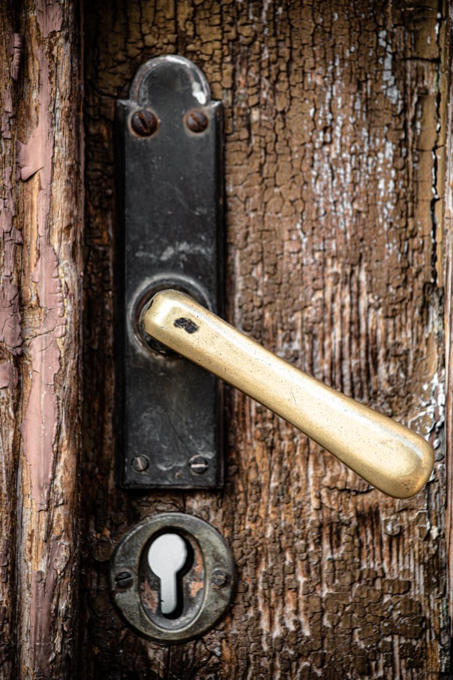 vor der Tür, Tür, Verfall, Grunge, alt, Holz, aus Holz, Handle, catch, Riegel