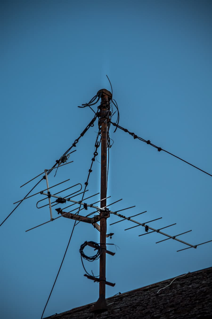 rooftop, antenna, television, wires, receiver, pole, cable, voltage, electricity, wire