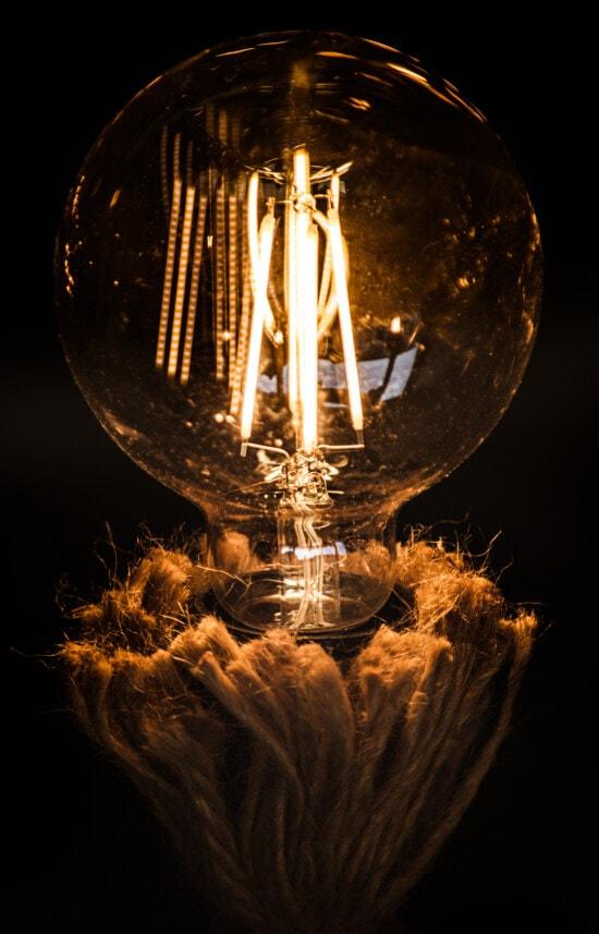 koło, żarówki, okrągłe, duże, energii elektrycznej, stary styl, starym stylu, historyczne, zabytkowe, drutu