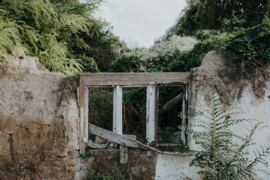 destroyed, decay, house, earthquake, window, facade, nature, decomposition, disrepair, abandoned
